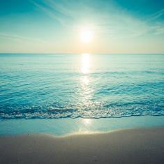 stock-photo-21320336-piękna-sylwetka-zachód-słońca-w-tropikalne-morze